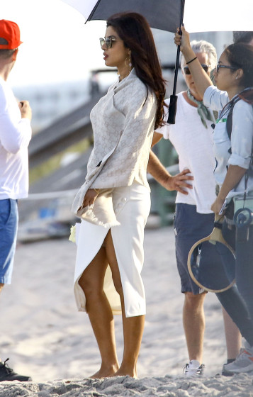 51984727 Stars are spotted on the set of 'Baywatch' in Boca Raton, Florida on March 1st, 2016 Stars are spotted on the set of 'Baywatch' in Boca Raton, Florida on March 1st, 2016 Pictured: Priyanka Chopra FameFlynet, Inc - Beverly Hills, CA, USA - +1 (310) 505-9876
